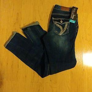 Ariya Roll up Skinny Curvy Destroyed Jeans